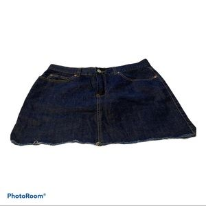 Old Navy  dark blue jeans skirt preowned size 8